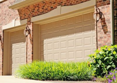 chi-short-raised-panel-garage-door-0003